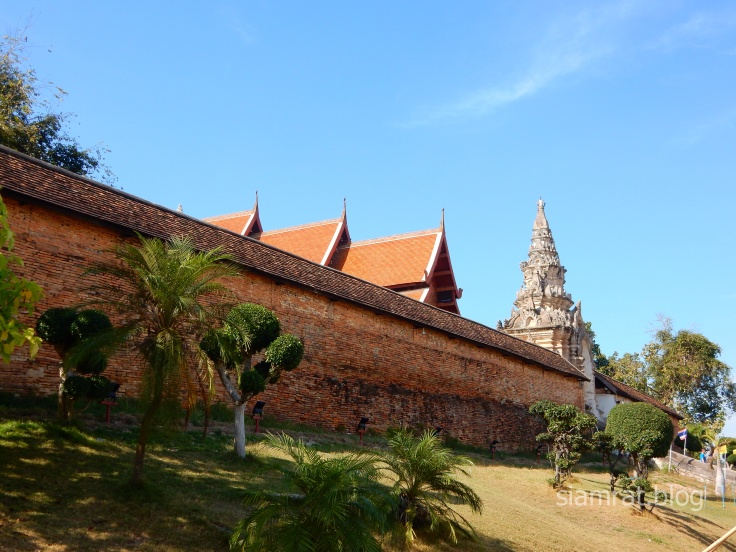 Wat Phra That Lampang Luang fortified walls