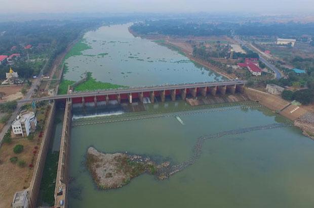 Chainat dam